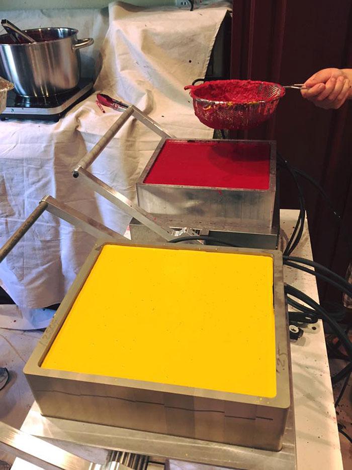 riciclare-pastelli-colori-bambini-ospedali-bryan-ware-06