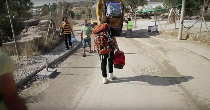 rifugiato-siriano-17-anni-cucciolo-cane-rose-grecia-aslan-4