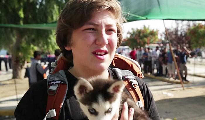 rifugiato-siriano-17-anni-cucciolo-cane-rose-grecia-aslan-6