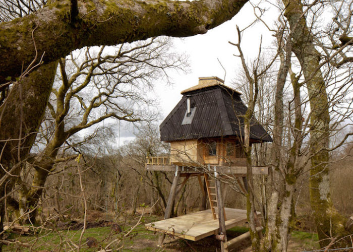 rifugio-creativo-legno-palafitta-bosco-nozomi-nakabayashi-01
