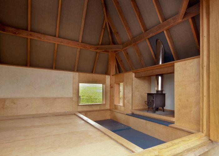 rifugio-creativo-legno-palafitta-bosco-nozomi-nakabayashi-02