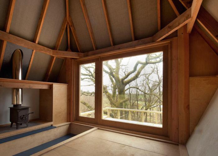 rifugio-creativo-legno-palafitta-bosco-nozomi-nakabayashi-10
