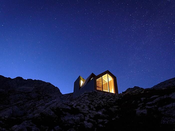 rifugio-monte-skuta-slovenia-architettura-ofis-10-keb