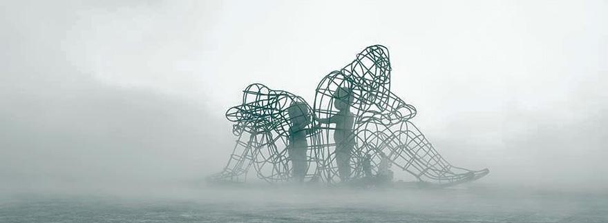 scultura-burning-man-festival-adulti-bambini-amore-love-alexander-milov-3