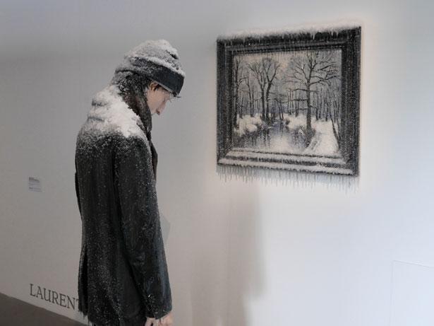 scultura-surreale-ghiaccio-neve-autoritratto-invernale-laurent-pernot-5