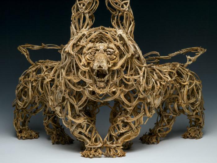 sculture-fatte-di-ossa-john-paul-azzopardi-3
