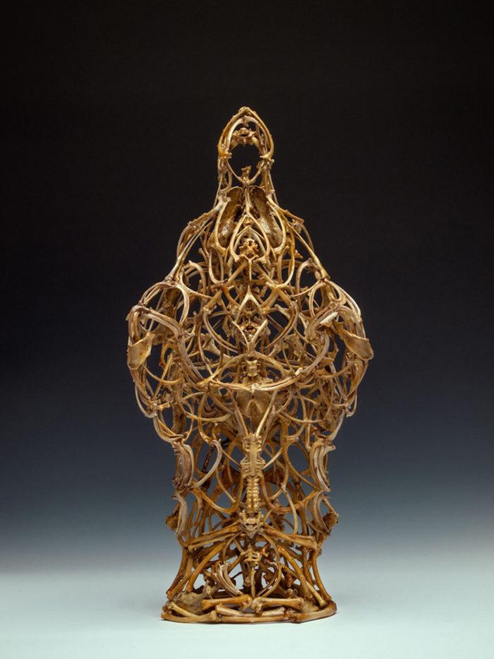 sculture-fatte-di-ossa-john-paul-azzopardi-9