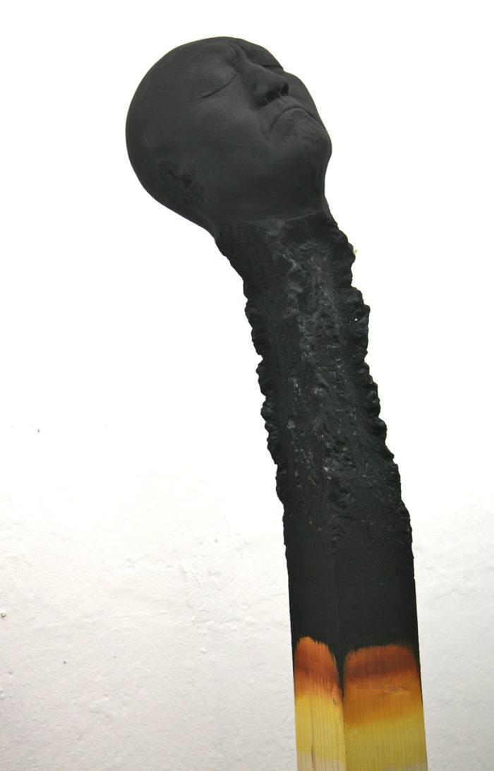 sculture-installazione-teste-uomini-fiammiferi-bruciati-wolfgang-stiller-07