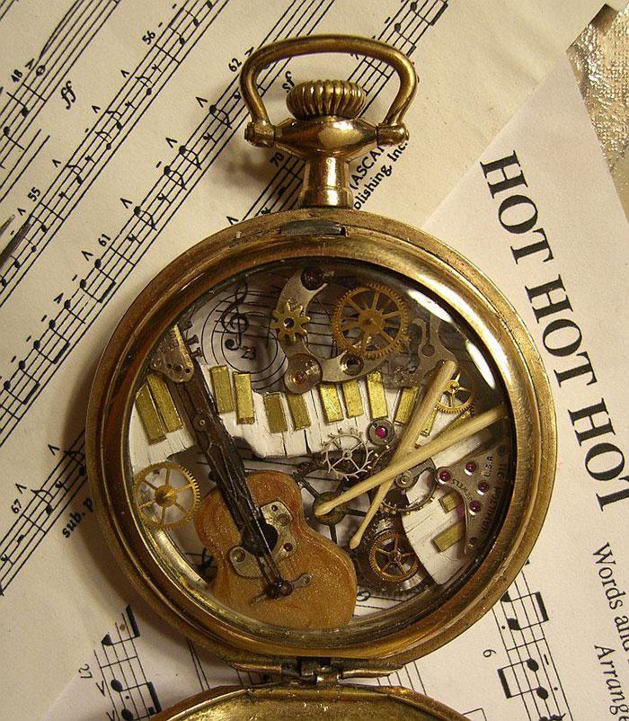 sculture-parti-orologi-riciclati-vintage_steampunk-susan-beatrice-07