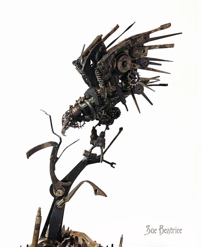 sculture-parti-orologi-riciclati-vintage_steampunk-susan-beatrice-10