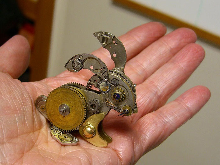 sculture-parti-orologi-riciclati-vintage_steampunk-susan-beatrice-12