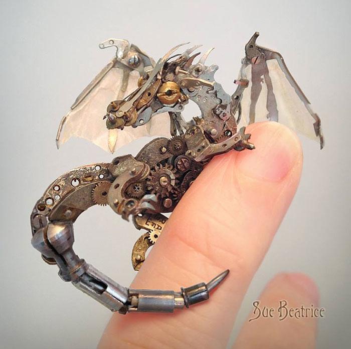 sculture-parti-orologi-riciclati-vintage_steampunk-susan-beatrice-14