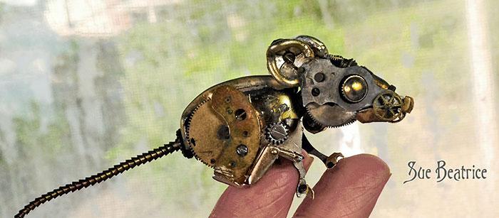 sculture-parti-orologi-riciclati-vintage_steampunk-susan-beatrice-15