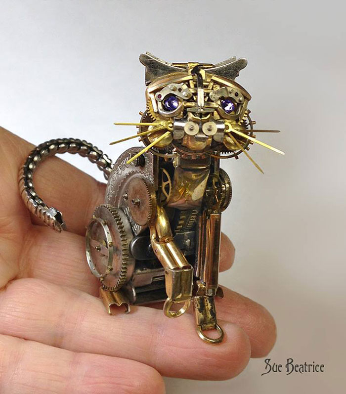 sculture-parti-orologi-riciclati-vintage_steampunk-susan-beatrice-17