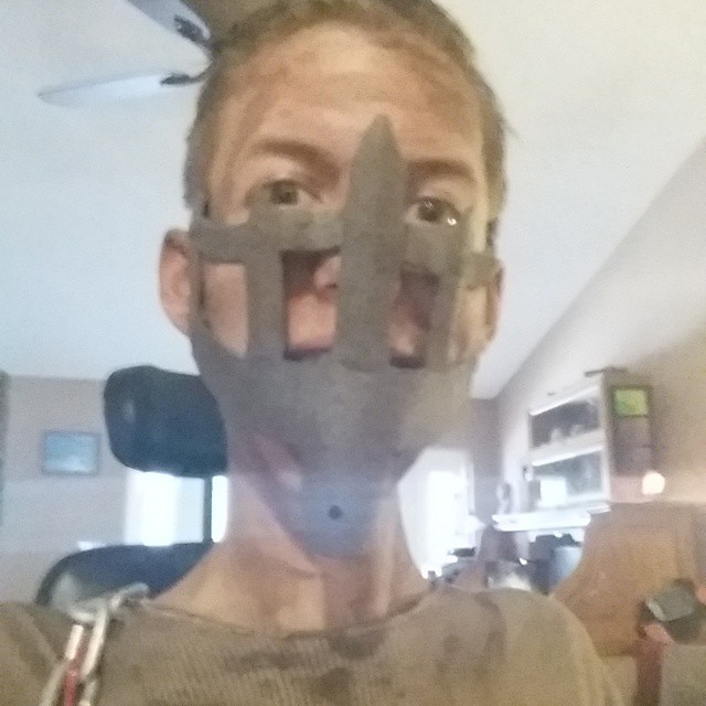 sedia-rotelle-mad-max-cosplay-ben-carpenter-disabile-3