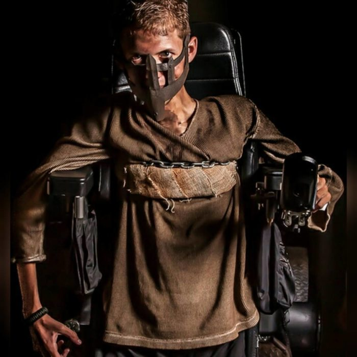 sedia-rotelle-mad-max-cosplay-ben-carpenter-disabile-6