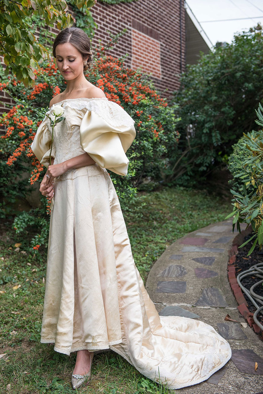 sposa-indossa-abito-matrimonio-vecchio-120-anni-01
