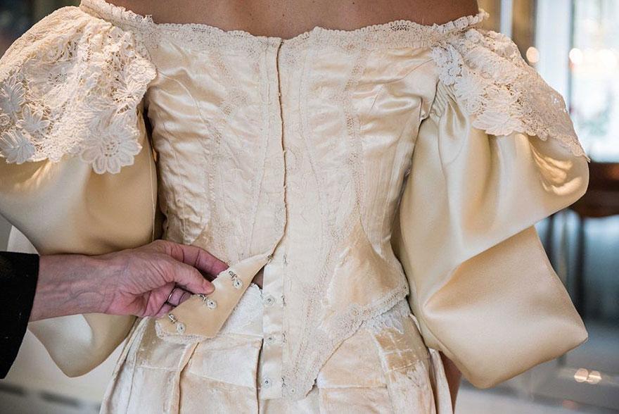 sposa-indossa-abito-matrimonio-vecchio-120-anni-07