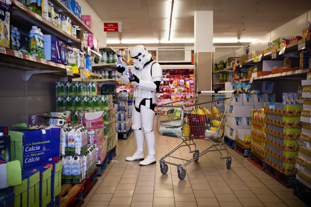 stormtrooper-star-wars-foto-divertenti-the-other-side-jorge-perez-02