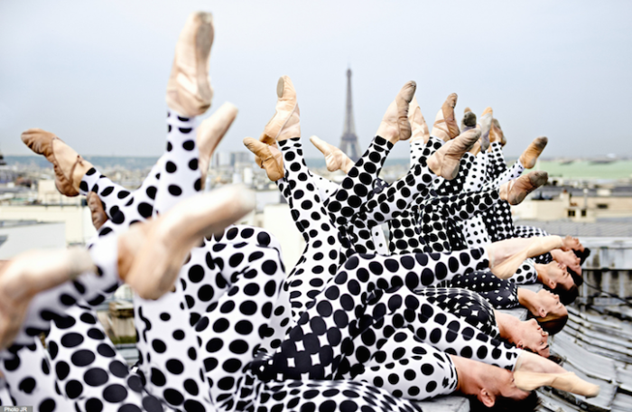 street-art-ballerini-opera-de-paris-tetto-palais-garnier-parigi-occhi-jr-3