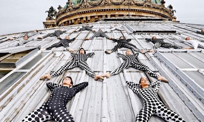 street-art-ballerini-opera-de-paris-tetto-palais-garnier-parigi-occhi-jr-4