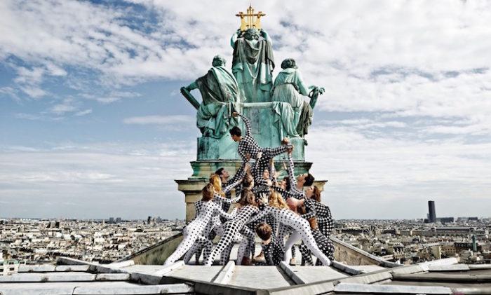street-art-ballerini-opera-de-paris-tetto-palais-garnier-parigi-occhi-jr-6