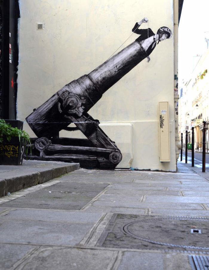 street-art-parigi-charles-leval-levalet-02