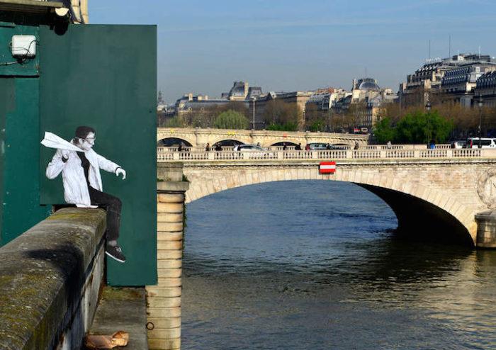 street-art-parigi-charles-leval-levalet-03