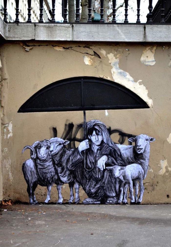 street-art-parigi-charles-leval-levalet-10