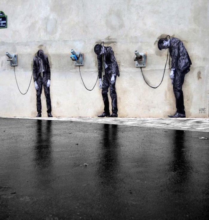 street-art-parigi-charles-leval-levalet-11