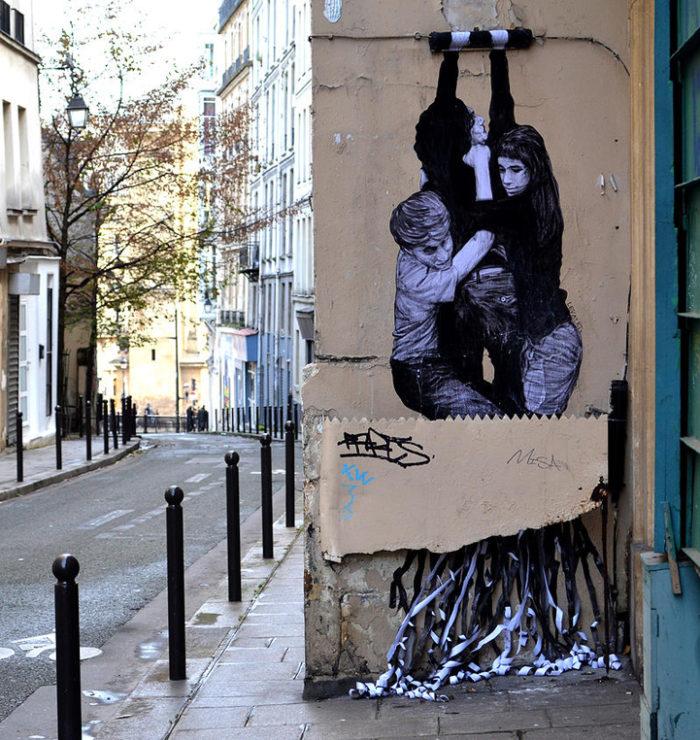street-art-parigi-charles-leval-levalet-13