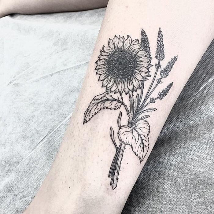 tatuaggi-eleganti-minimalisti-piante-animali-surreali-caitlin-thomas-lucidlines-04