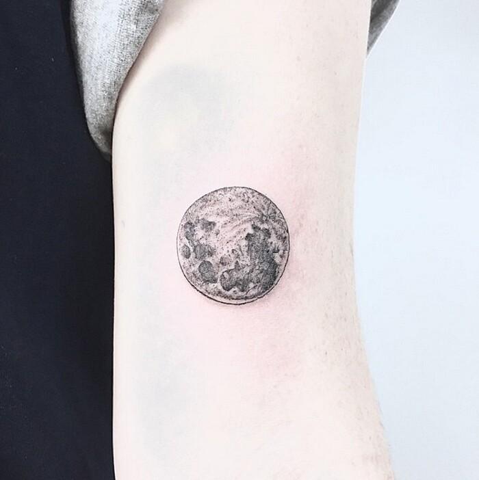 tatuaggi-eleganti-minimalisti-piante-animali-surreali-caitlin-thomas-lucidlines-11