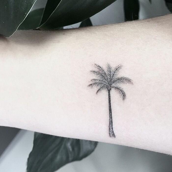 tatuaggi-eleganti-minimalisti-piante-animali-surreali-caitlin-thomas-lucidlines-12