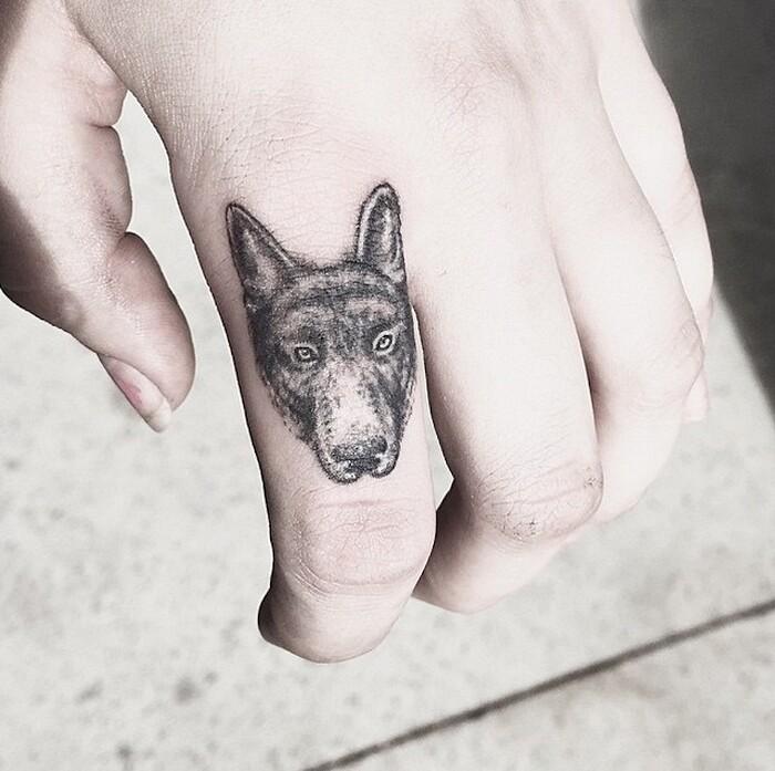 tatuaggi-eleganti-minimalisti-piante-animali-surreali-caitlin-thomas-lucidlines-17