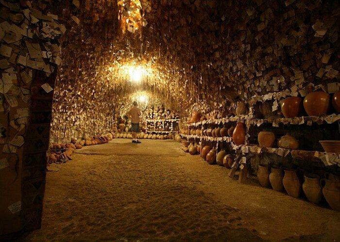 terracotte-ceramiche-grotta-ciocche-capelli-donne-avanos-galip-korukcu-01