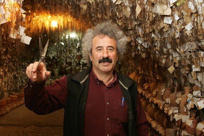 terracotte-ceramiche-grotta-ciocche-capelli-donne-avanos-galip-korukcu-06