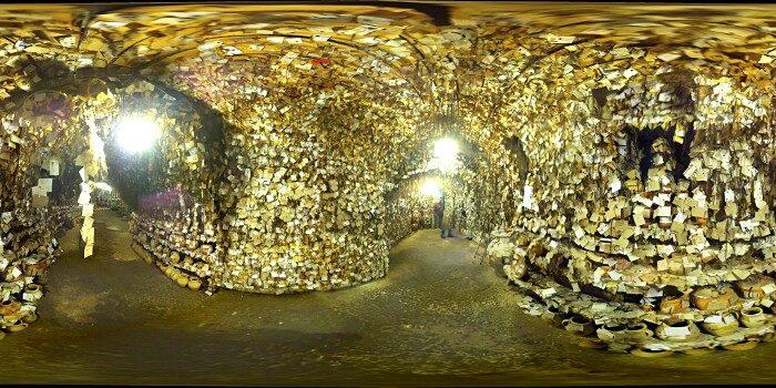 terracotte-ceramiche-grotta-ciocche-capelli-donne-avanos-galip-korukcu-08