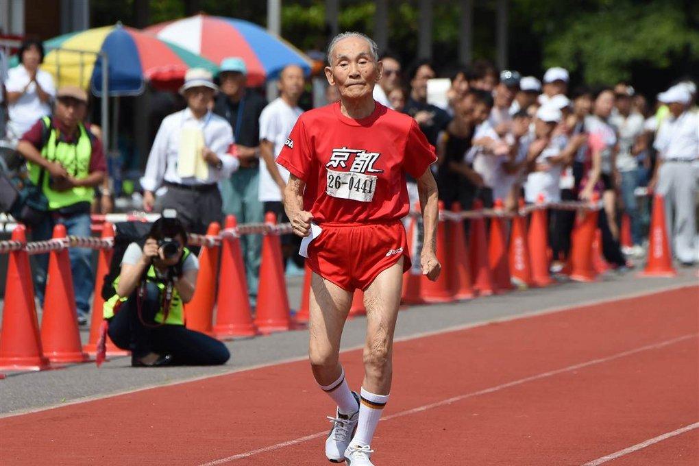 uomo-105-anni-record-mondiale-uomo-piu-anziano-velocista-agonista-mondo-hidekichi-miyazaki-1