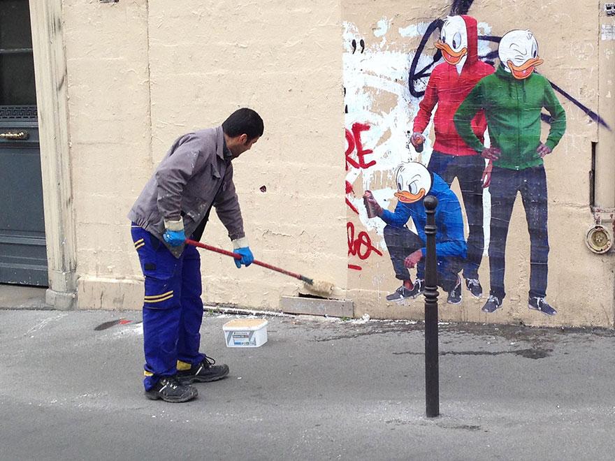 uomo-cancella-street-art-combo-arte-1