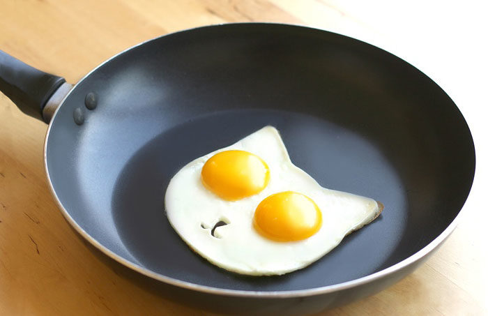 uova-fritte-a-forma-di-gatto-cat-egg-mold-2