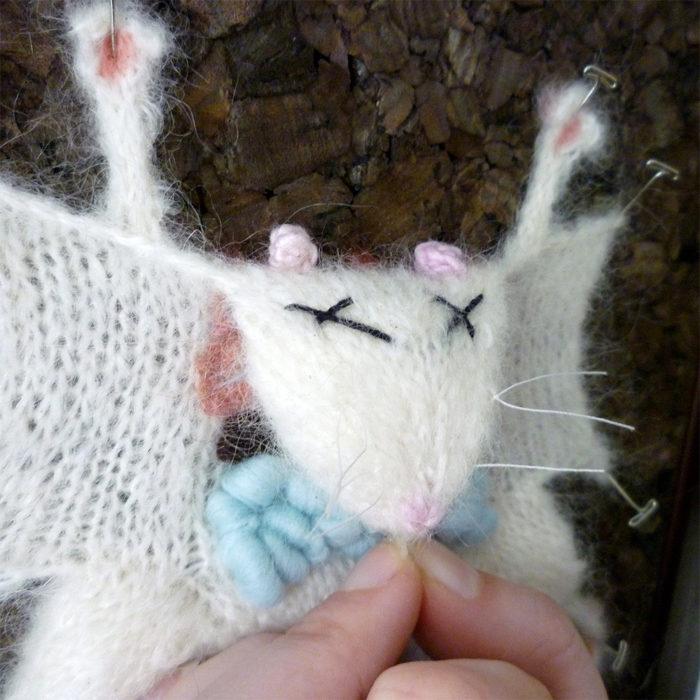 animali-sezionare-anatomia-finti-maglia-emily-stoneking-05