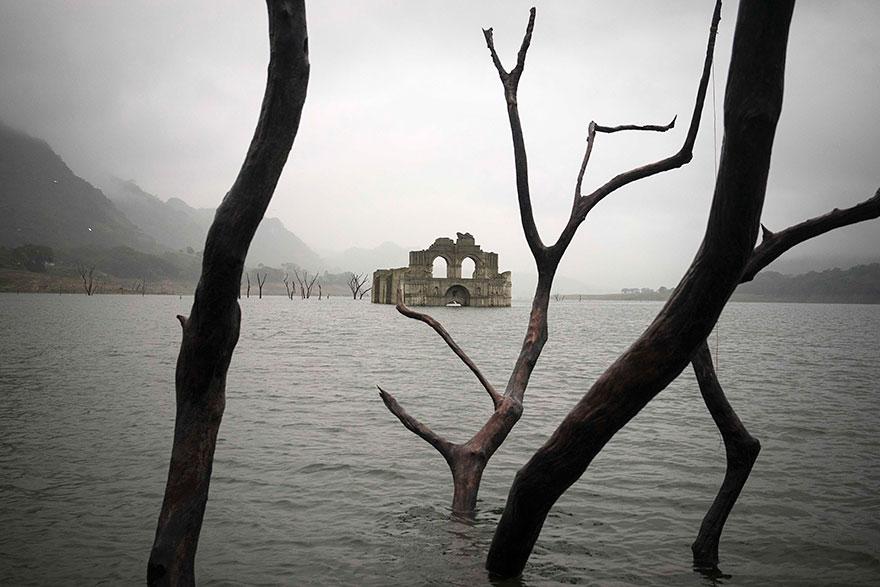 chiesa-coloniale-emerge-acqua-diga-tempio-santiago-messico-6