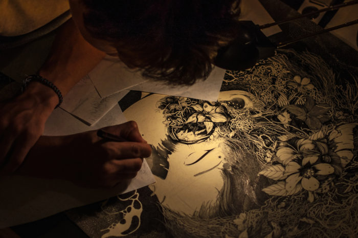 disegni-inchiostro-donne-puntinismo-benze-1