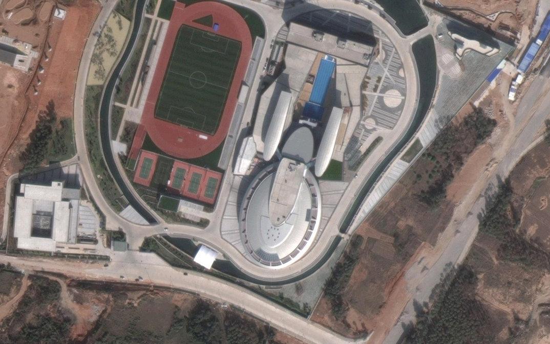 edificio-a-forma-di-nave-stellare-enterprise-star-trek-netdragon-3