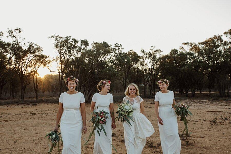 foto-matrimonio-virale-australia-terreni-aridi-beneficenza-edwina-robertson-06