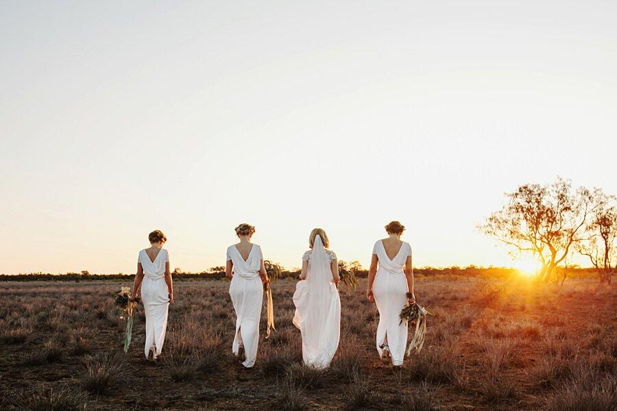 foto-matrimonio-virale-australia-terreni-aridi-beneficenza-edwina-robertson-09