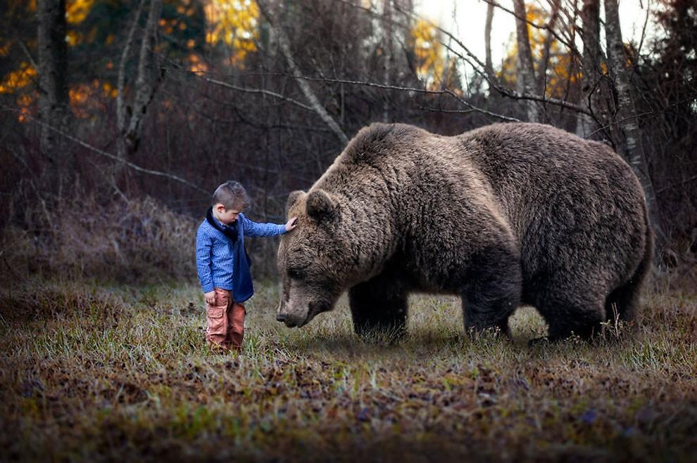 fotografia-bambini-animali-surreali-fantasy-gabriel-tomoiaga-13