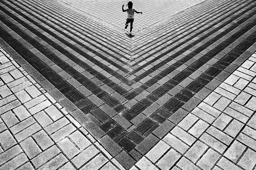 fotografia-illusione-ottica-prospettiva-point-of-view-yusuke-sakai-01