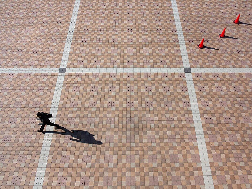 fotografia-illusione-ottica-prospettiva-point-of-view-yusuke-sakai-03